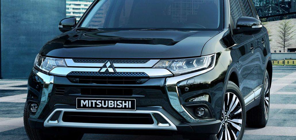 C01-De-rijk-uitgeruste-Mitsubishi-Outlander-Limited-en-Limited-Plus-2160-1024