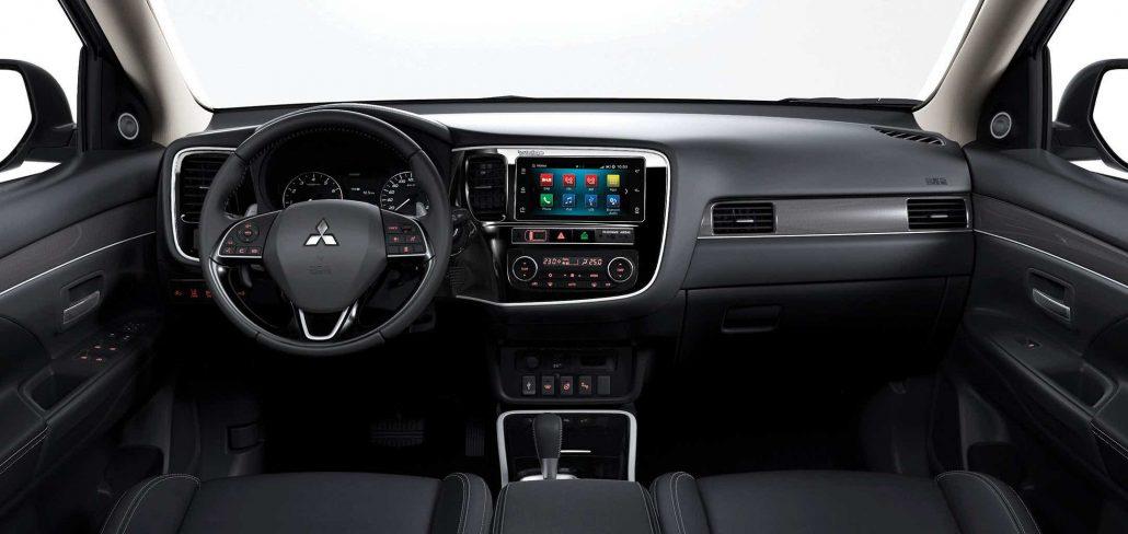 C06-De-rijk-uitgeruste-Mitsubishi-Outlander-Limited-en-Limited-Plus-2160-1024