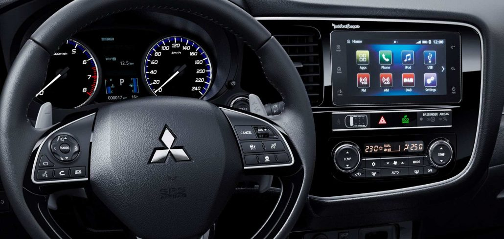 C07-De-rijk-uitgeruste-Mitsubishi-Outlander-Limited-en-Limited-Plus-2160-1024